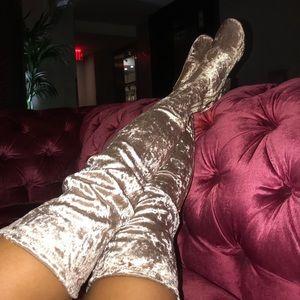 Brand new stunning thigh high velvet boots